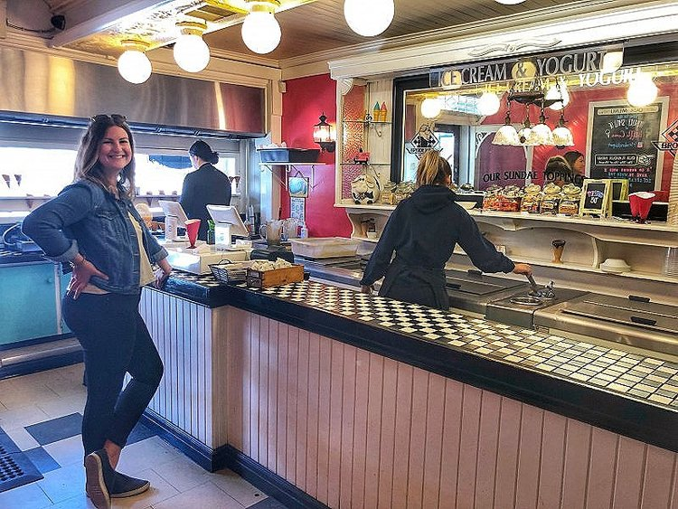 Broderick's Ice Cream in Port Stanley, Ontario