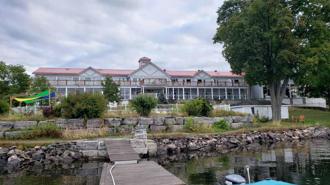 Ontario resort vacation Viamede in Peterborough County