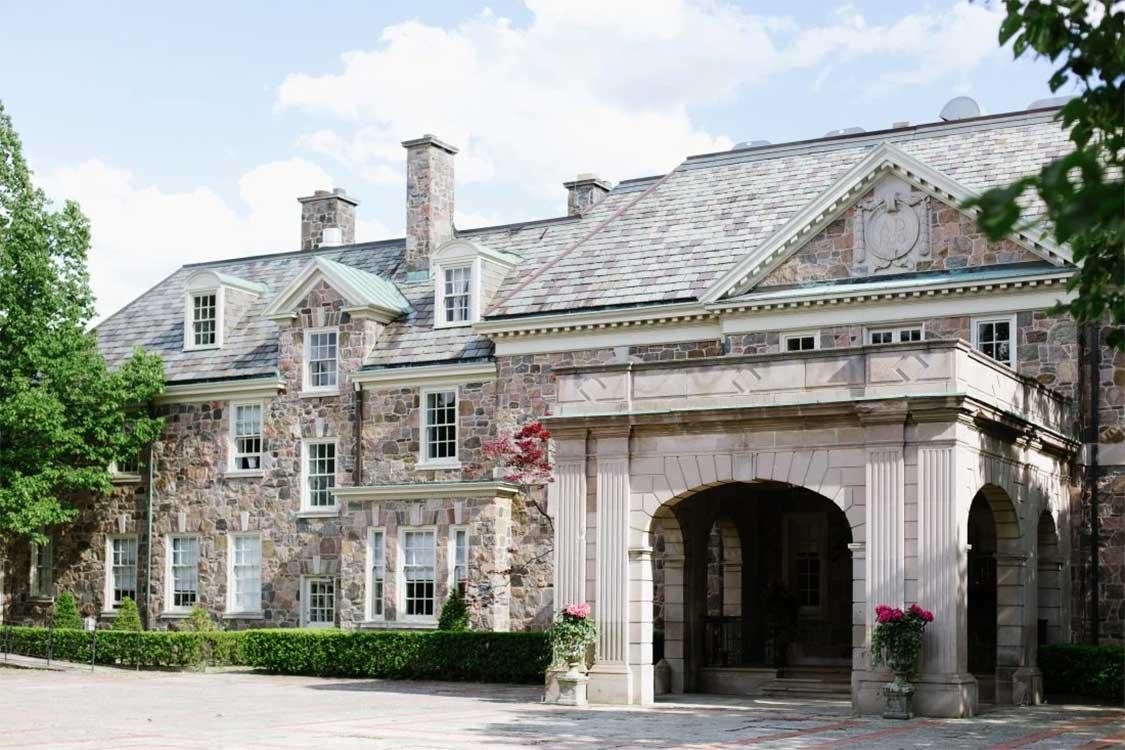 Graydon Hall Manor Schitt's Creek Filming Location
