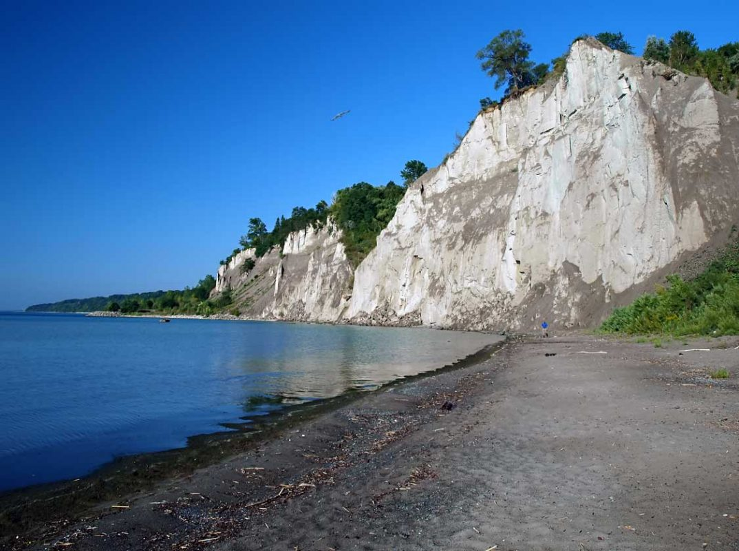 Bluffers Park hike at the Scarborough Bluffs